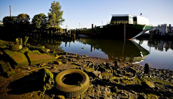 Debris along the Duwamish River. Credit: Paul Joseph Brown/InvestigateWest