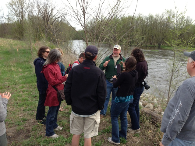 Chris Freiburger, Mich DNR talks to fellows on banks of Kalamazoo River in Plainwell, Mich, where a dam was removed in the last year or so. (Photo IJNR)
