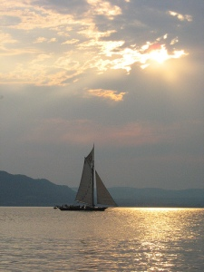 Photo of the Clearwater sloop on the Hudson courtesy of Flickr user Sea of Legs. Creative Commons.